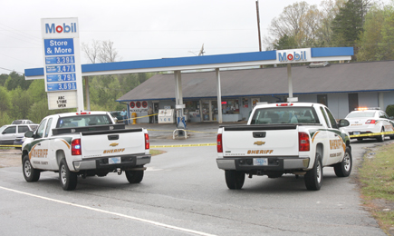 Rocky Nimmons/Courier Officers from the Pickens County Sheriff's Office and Pickens Police Department responded to a shooting on Monday near the Store and More in Pickens.